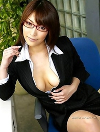 Cocomi Sakura�s fantastic breasts will show you happiness